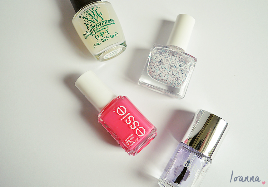 Nails #38 featuring Essie Status Symbol and Angelica Boy Meets Girl