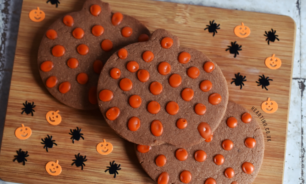 Halloween Chocolate Peanut Butter Pumpkin Biscuits