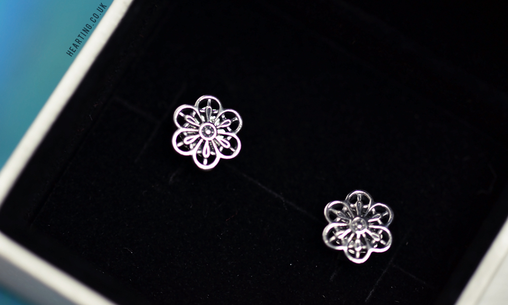 Christmas Gifts 2016 | Pandora Floral Daisy Lace Earrings
