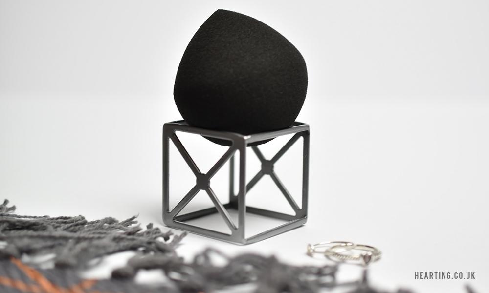 Real Techniques MultiTech 360 Point Makeup Sponge