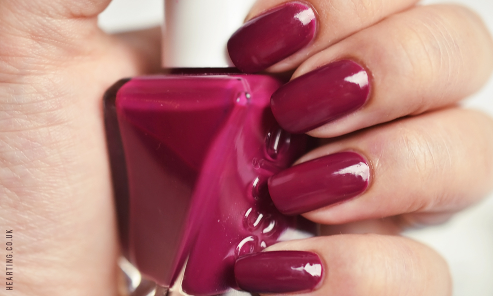 Nails #91 | Essie Berry In Love
