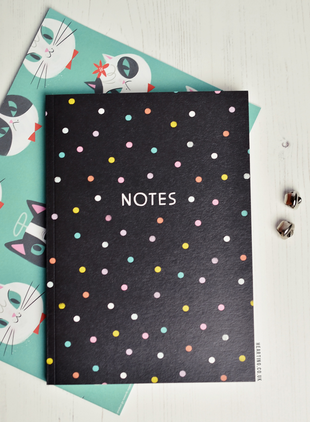 Papergang #21 | Unboxing and first impressions of the November Papergang x Battersea Home Stationery Subscription Box with a Christmas cat and dog theme